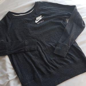 NIKE Heathered Raglan Long Sleeve Top Size…
